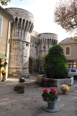 Bild: Fontaine de Villeneuve, Pernes les Fontaines
