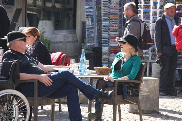 Bild: Genießen an den verschiedenen Plätzen, Avignon
