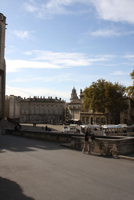 Bild: Platz vor dem Papstpalast, Avignon