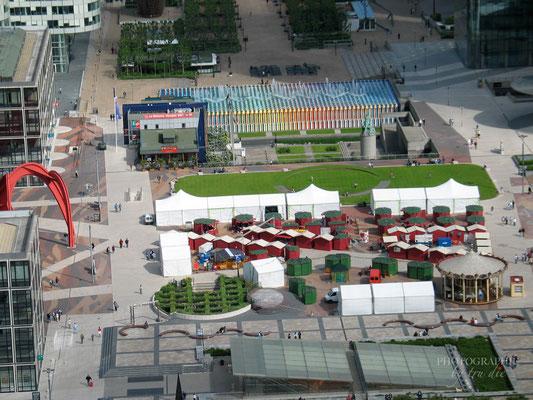Bild: Aussicht von der Dachterrasse La Grande Arche im La Défense