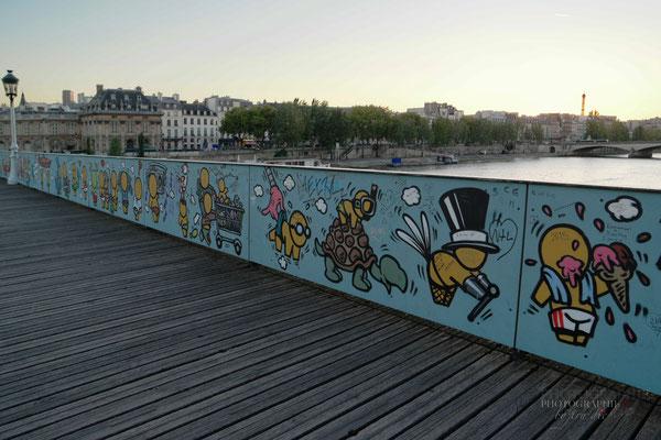 Bild: Pont des Artes im Jahre 2015 in Paris