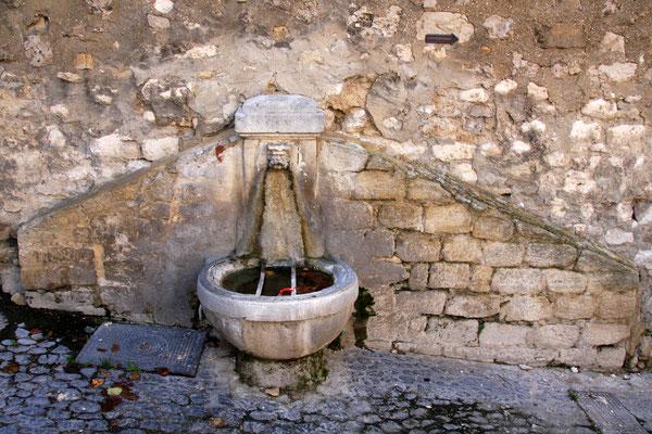 Bild: Fontaine de la Rue Victor Hugo, Pernes les Fontaines