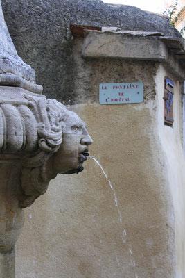 Bild: Fontaine de l´hopital, Pernes les Fontaines