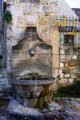 Bild: Fontaine de la Rue Raspail, Pernes les Fontaines