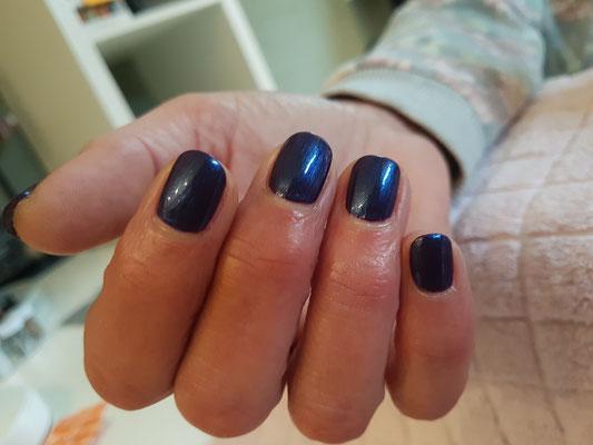 CND VINYLUX WEEKLY POLISH natuurlijke nagel