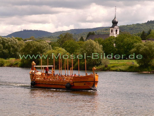 Brauneberg mit Römerweinschiff