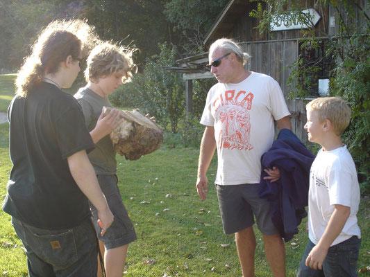 Männer und ihre Baumzitrone