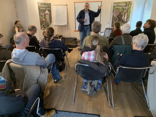 Paul Simons stellt das Landschulheim Tellkampfschule vor.