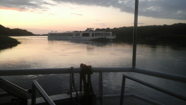 MS Händel II auf der Elbe
