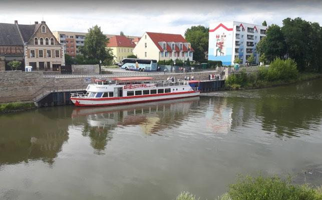 MS Händel II am Anleger in Bernburg