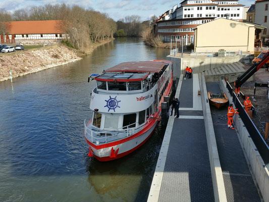 MS Händel II am Fahrtgastschiffanleger am MMZ in Halle/Saale