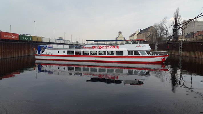 MS Händel II im Hafen Halle Trotha
