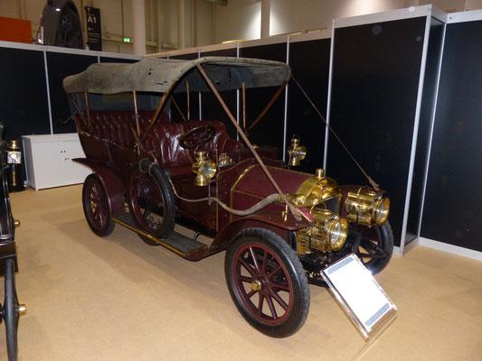Darraq 1906 (F), ausgestellt auf der Hamburger Oldtimer-Messe 2017