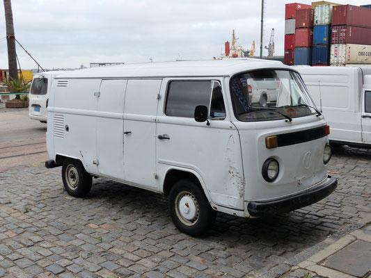 Uruguay 2013: Alltagsbild - in ganz Südamerika, der VW T2 aus brasiliansicher Produktion