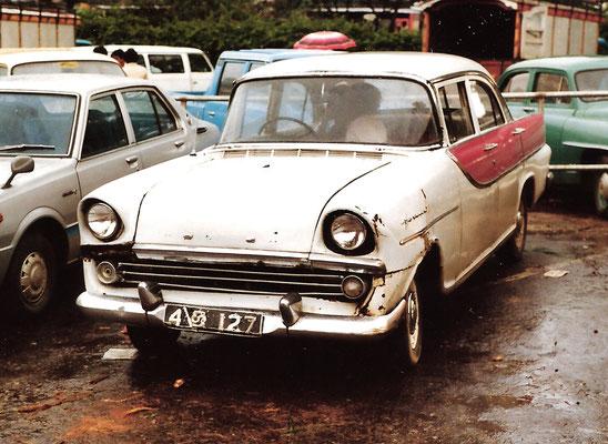Sri Lanka; australischer Holden FB