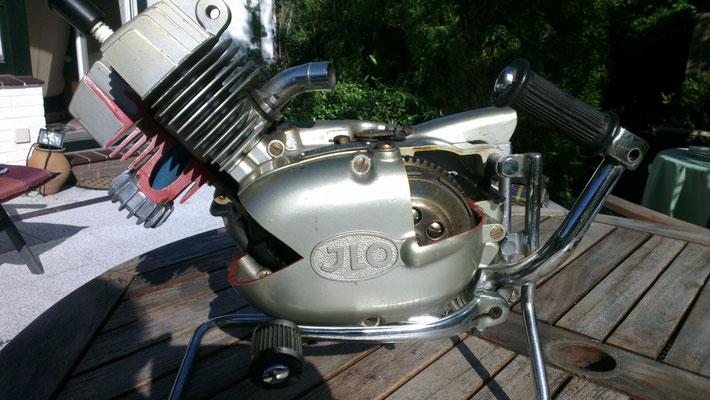 ILO- Einzylinder, Aufschnittmodell, Besitzer: Volker Hammler