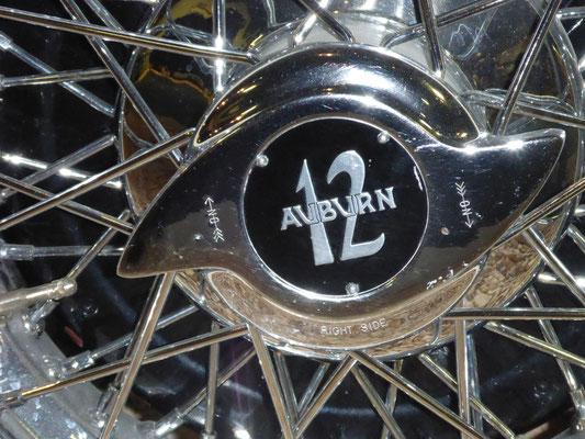 Speichenrad eines Auburn V12, aufgenommen im National Museum in Reno/USA