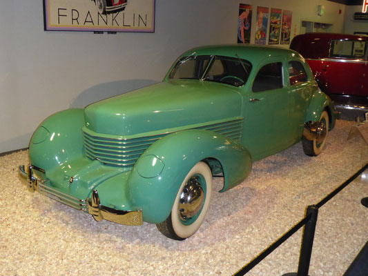 Cord 810 1936, 8-Zyl.Lycoming-Motor, Frontantrieb!
