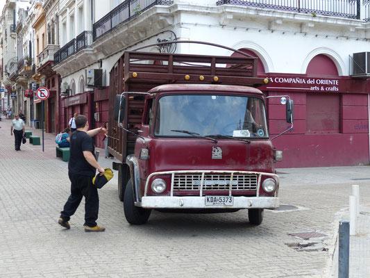 Uruguay 2013: englischer Bedford-LKW aus den 60er Jahren