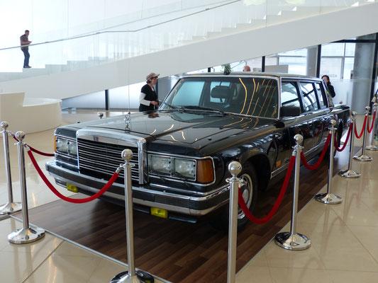 2016 : Dieser Zil 114 (Modell 4104) war mal der Präsidentenwagen von Heydar Aliyev, dem Präsidenten von Aserbeidschan...