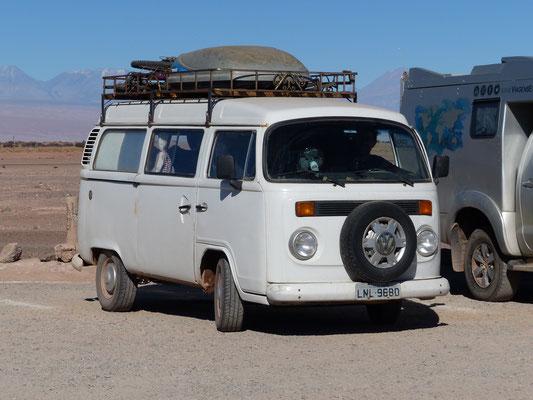 San Pedro de Atacama, Chile 2018: Auch in Südamerika kein seltener Anblick: VW-Bus als ausgebautes Wohnmobil. Hier sind es jedoch vorwiegend T1 und T2, da der T3 in Südamerika nicht gebaut wurde