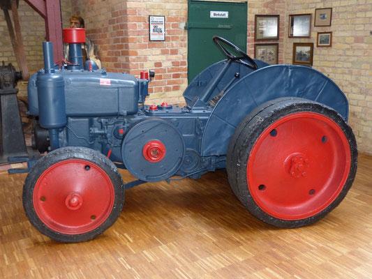 Traktor Typ OE 1929