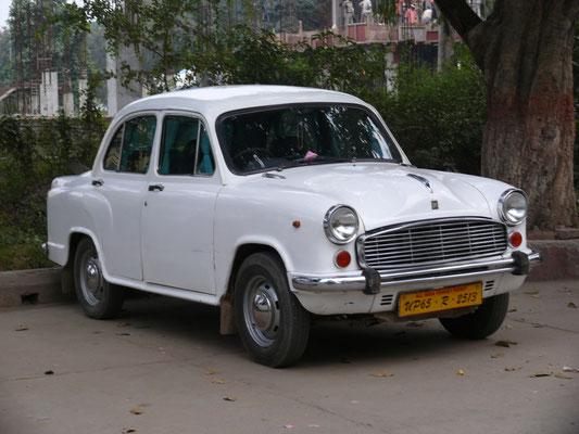 Hindustan Ambassador, konnte man bis vor wenigen Jahren noch NEU kaufen