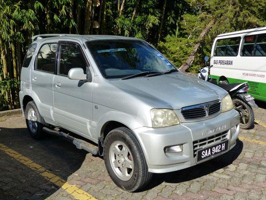 """Sabah (Borneo): kleiner SUV der malaysischen Eigenmarke """"Perodua""""; die Qualität ist .... einfach"""