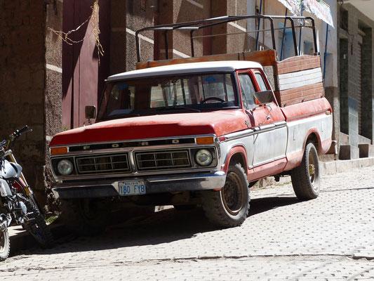 Copacabana, Bolivien 2018: Dieser Ford F 150 ist dort noch lange kein Liebhaberfahrzeug
