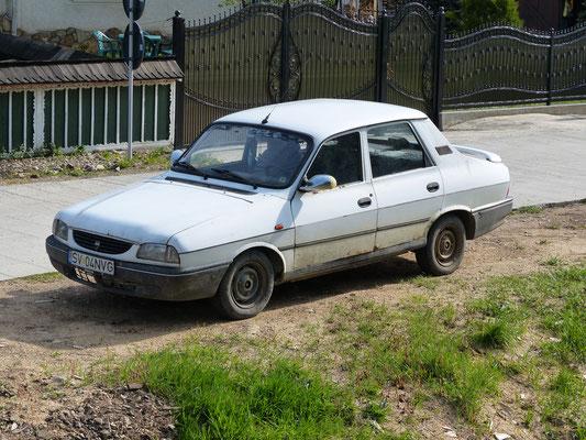 Dacia 1300, letztes Modell der Baureihe ab 1998 (Rumänien, Mai 2017)
