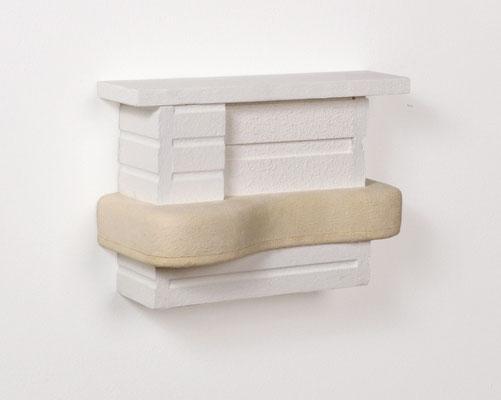 vor-bau, 2004, Holz, Leder, 18 x 24 x 11 cm