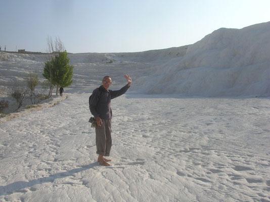 Pamukkale. Pieds nus sur la neige ? Non, sur le carbonate de calcium