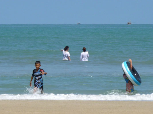 pas de maillot de bain pour les Thaïs