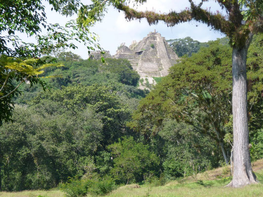 la pyramide de Tonina