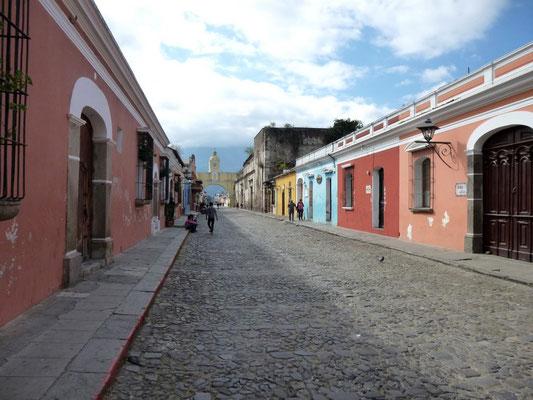 Une rue colorée d'Antigua