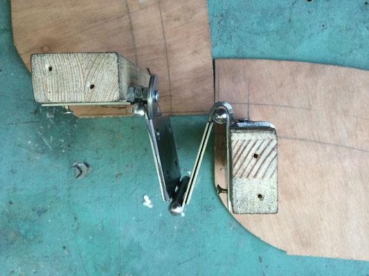 Prototyp / Testbau, 3-fach Scharnier (geöffnet)