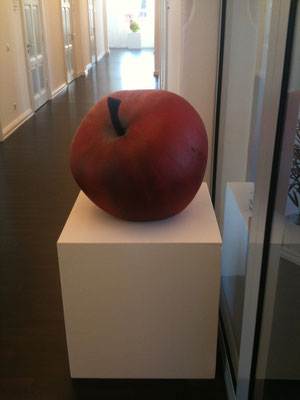Skulptur Apfel