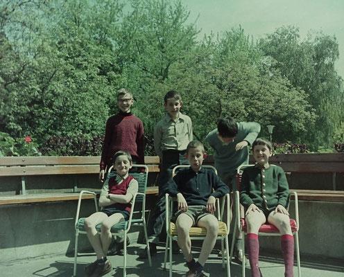 Eine Aufnahme im Sommer 1968 (nach den Somerferien): oben von links nach rechts: Burkhard Memmesheimer (Memmes), Hubertus Peter (Hubbi), Benno Quirmbach; unten von links nach rechts: Kurt Bach, Christoph Castor, Bernd Bach