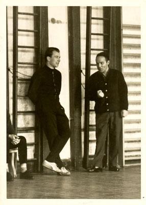 links unbekannt, rechts Wolf (oder Wolff), Musiklehrer am Kant-Gymnasium