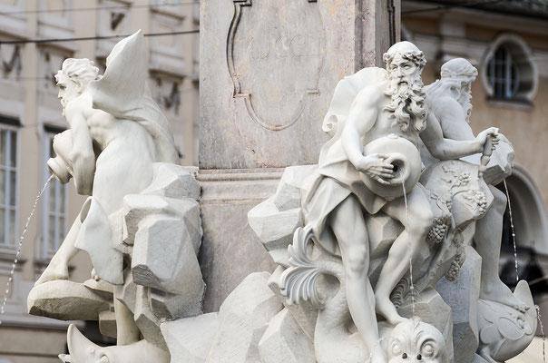 Marmorbrunnen am Stadtplatz