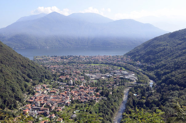 Blick auf Cannobino, Cannobio und Lago Maggiore