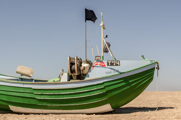 Boot am Strand von Stenbjerg