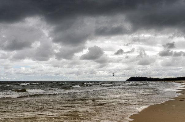 """Der """"Große Strand"""" ist fest in der Hand der Kitesurfer"""
