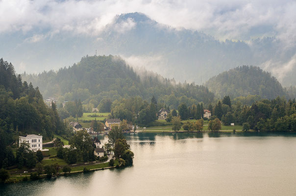Blick von der Burg auf den Bleder See