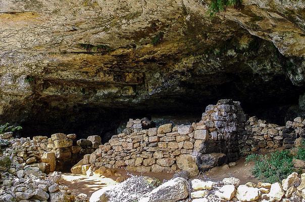 Grotten, Höhlen und Abris gibt's im Tal der Vézère