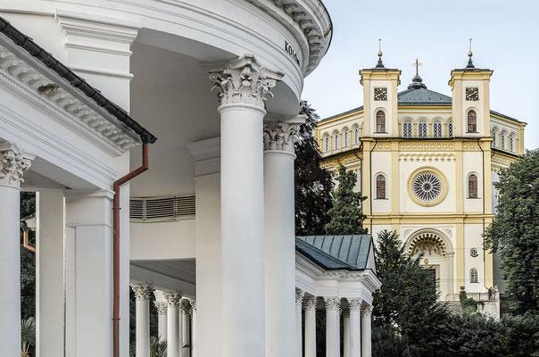 Kleine Kolonnade und Kirche Mariä Himmelfahrt