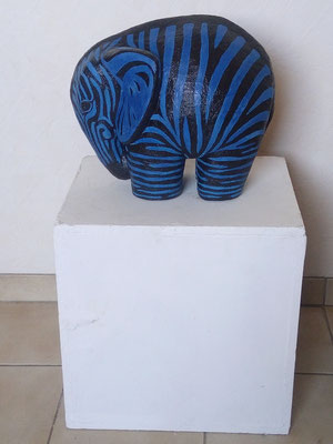 Betonskulptur, bemalt