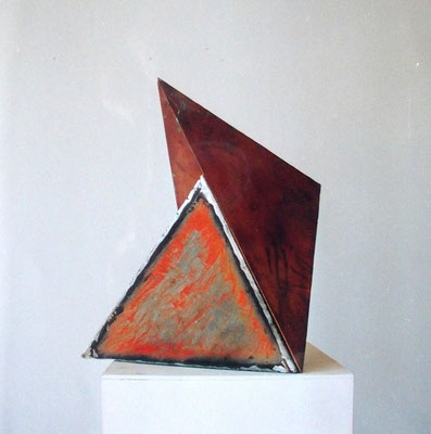 2 Tetrader , steel copper colour  2000 H 42 cm