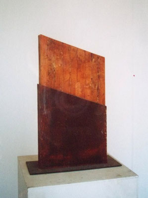 Box, steel, wood, rust 1997 H 44cm