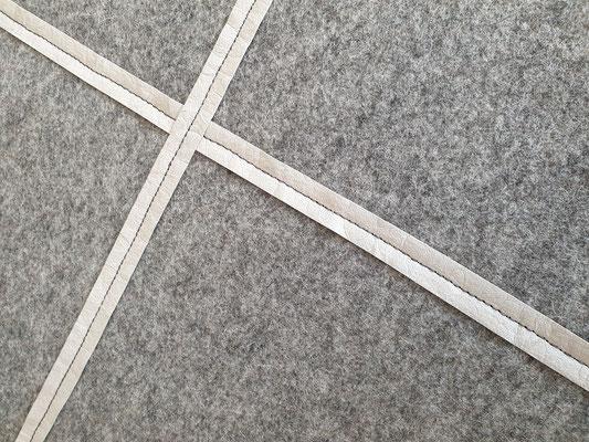 manufra Eisenhower Pin Board Matrix mittelgrau-meliert mit Veggi Leder in stone